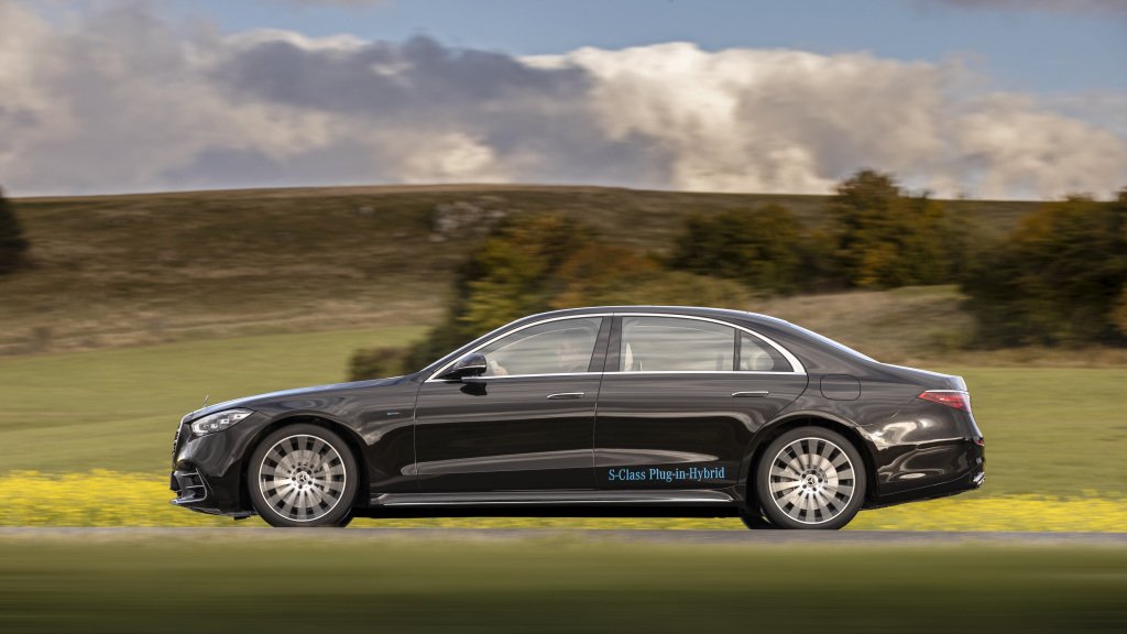first review mercedes S-Class W223 2020