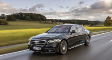 First review Mercedes S-Class W223 by auto motor und sport magazine