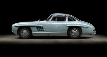 Mercedes-Benz 300 SL Gullwing restored to perfection