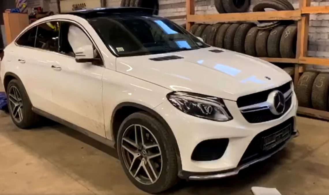 Mercecedes-Benz GLE Coupe becomes a write off after truck tire explodes next to it