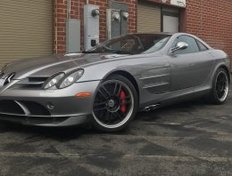 Old school 2007 Mercedes-Benz SLR McLaren 722 enters auction