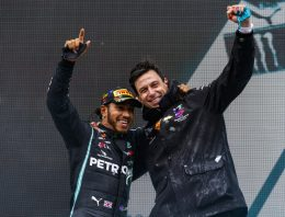 Lewis Hamilton finally signs deal with Mercedes-AMG Petronas