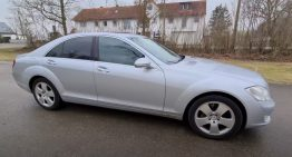 15-year old Mercedes-Benz S-Class, out on the autobahn. How does it behave?