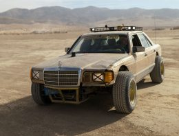 300 SD W 126 converted into off-road Mercedes S-Class for rally raid