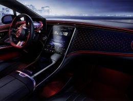 The interior of the Mercedes EQS revealed. And it looks fabulous