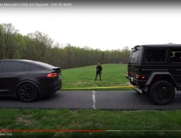 Who offers better traction? Tesla Model S or Mercedes G 500 4×42?