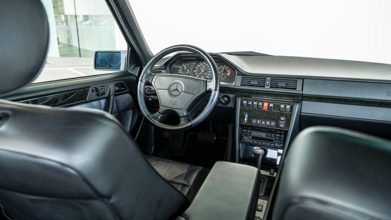 dashboard Mercedes 500E