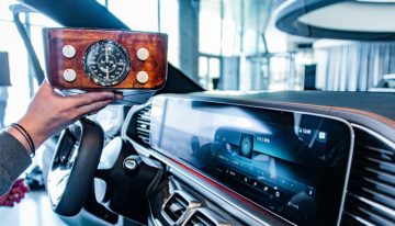 Mercedes-Benz – How did the car radio look a hundred years ago?