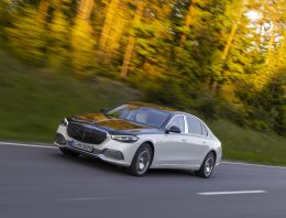 Official: Mercedes-Maybach S 680 4Matic with V12, 9G-Tronic gearbox and 4wd