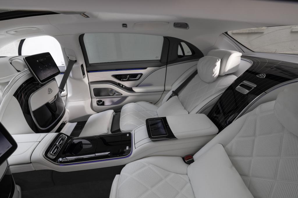 Mercedes-Maybach S 680 4MATICMercedes-Maybach S 680 4MATIC