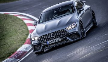 Mercedes-Benz expert teaches you how to take care of brakes correctly