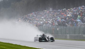 Shortest Formula 1 race ever. Why it finished after two laps behind the Safety Car