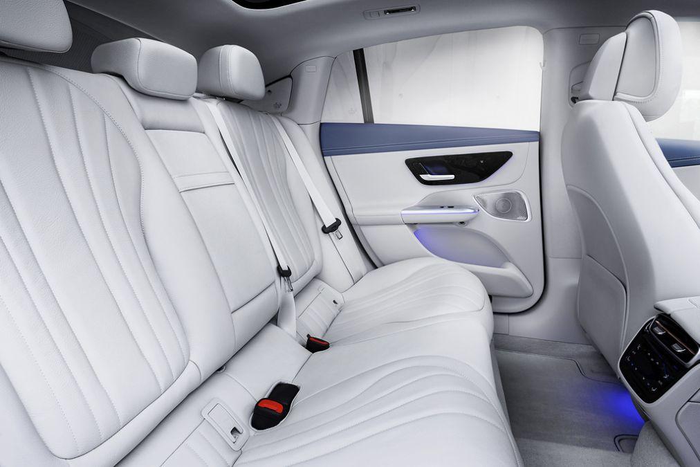 rear seats Mercedes EQE