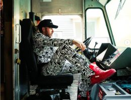 """Lewis Hamilton becomes a truck driver. """"Noboy delivers as fast as me!"""""""